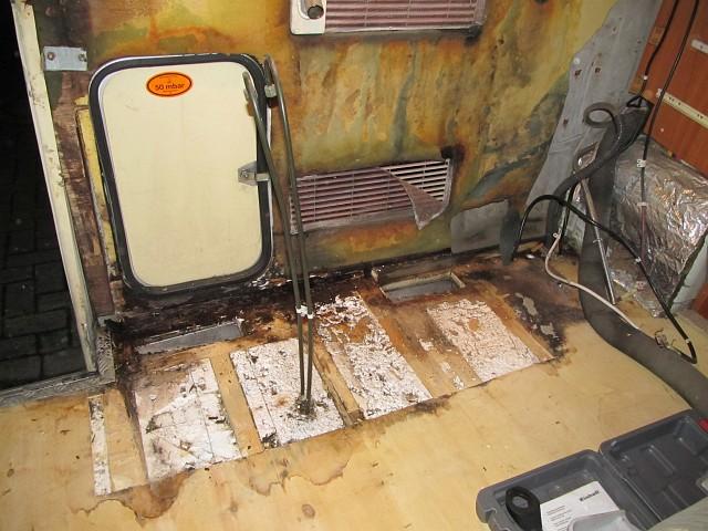 Fußboden Im Wohnwagen Erneuern ~ Hobby 600 ein wohnmobil ist kult reparatur fußboden und seitenwand