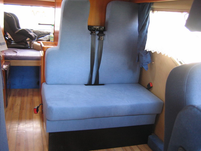 hobby 600 ein wohnmobil ist kult tip dreipunktgurte f r die hintere sitzbank. Black Bedroom Furniture Sets. Home Design Ideas